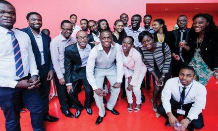 Rétrospectives : Remise de bourses d'excellence AECP